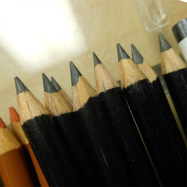 Image of Derwent Sketching Pencils